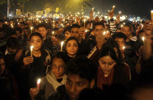 Des veillées aux chandelles ont été organisées samedi soir en l'honneur de la jeune femme.