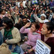 Inde: funérailles de l'étudiante violée