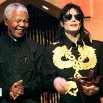 Nelson Mandela et Michael Jackson au Kora Awards en 1999.