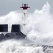 L'île de la Réunion balayée par le cyclone