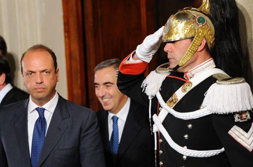Angelino Alfano, dauphin du Cavaliere, devra attendre.