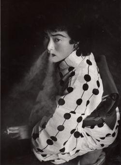 Prostitute (1957)(©Shomei Tomatsu, courtesy Galerie Priska Pasquer, Cologne)