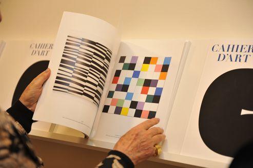 Le 18 octobre dernier, après des mois de gestation confidentielle, sortait le premier numéro des <i>Cahiers d'art</i> nouvelle formule.