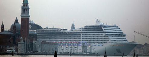 <i>Concordia </i>: le gigantisme des paquebots inquiète Venise
