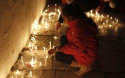 Les habitants de Sidi Bou Saïd ont allumé des bougies et récité des prières pour manifester leur émotion.