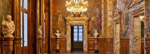 Le foyer (re)doré de l'Opéra Comique