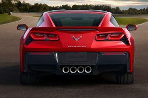 L'arrière bestial adopte des feux évoquant la Camaro.