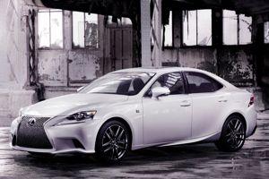 La Lexus IS.