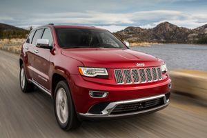 La Jeep Grand Cherokee cède à la mode des LED et du chrome.
