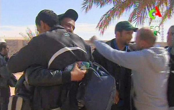 L'assaut de l'armée algérienne contre les terroristes à In Aménas dans actualité 20130117PHOWWW00669