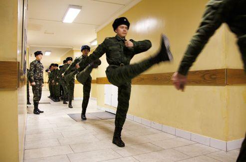 Leur pas caractéristique, appelé «pas du Kremlin», nécessite un entraînement de haut niveau. L'erreur n'est pas permise.