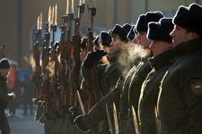 Sélectionnées dans toute la Russie, les jeunes recrues s'engagent pour au moins deux ans dans les rangs du régiment de la Garde du Président.