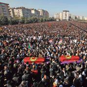 Le Kurdistan enterre ses trois «martyres»
