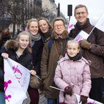 Venus en TGV de Strasbourg, Odile et Guillaume Dehaye posent ici avec leurs quatre filles.