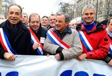Jean-François Copé, entouré des fillonistes Patrick Ollier (à sa gauche) et Laurent Wauquiez (veste rouge).