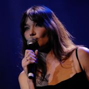 Carla Bruni redevient chanteuse
