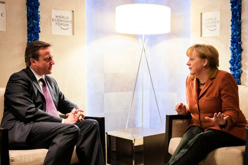 David Cameron et Angela Merkel, jeudi à Davos.