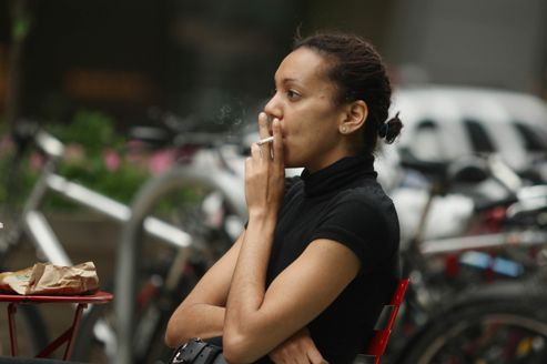 De plus en plus de femmes meurent à cause du tabac