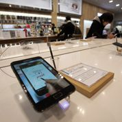 Smartphones : Samsung règne loin devant Apple