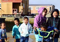 Dans le village groenlandais de Sisimiut vit une population danoise et inuit.