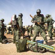 Français et Maliens dans Tombouctou