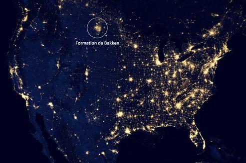 La lumière produite par l'exploitation du pétrole de schiste dans la formation de Bakken dans le Dakota du Nord est aussi visible depuis l'espace que les grandes métropoles.