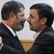 Ahmadinejad courtise Le Caire