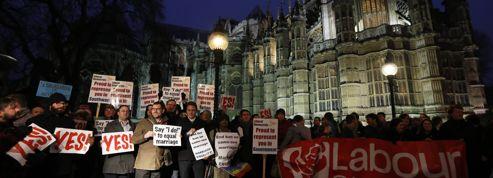 Les députés britanniques adoptent le mariage gay