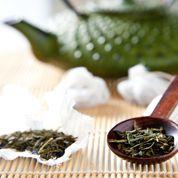 Alzheimer : les bienfaits du thé vert et du vin