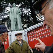 Staline statufié mais déboulonné en Géorgie