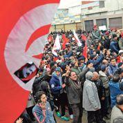 Vent de fronde contre les islamistes tunisiens