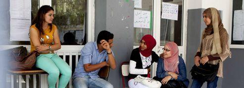 Un doyen d'université résiste aux islamistes à Tunis