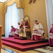 Benoît XVI : Rome à l'heure des questions