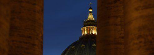 Pourquoi les papes changent-ils de nom ?