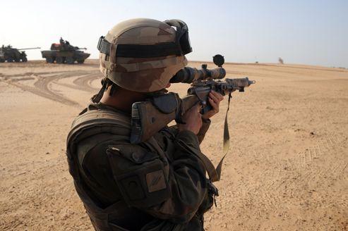 Un sniper de l'armée française dans le nord du Mali, en février.