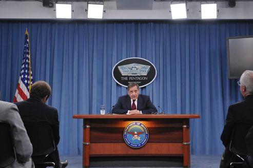 Léon Panetta, secrétaire à la Défense, a annoncé des mesures de restrictions budgétaires drastiques.