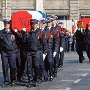 Émotion aux obsèques des policiers de la BAC