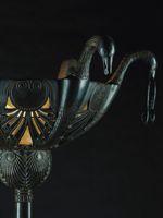 Détail d'un lampadaire aux oiseaux. © Christie's Images LTD, 2013