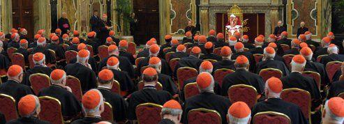 Le collège des cardinaux assure la transition