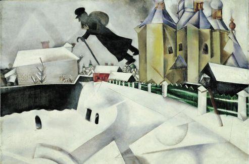 Au-dessus de Vitebsk , 1915-1920. Le Musée de Grenoble et le Centre Pompidou ont montré en 2011 la beauté des années russes du jeune Chagall. Habillé de sombre comme la pauvreté, son vieux Juif errant plane dans les airs «au-dessus des maisons», comme le décrit un proverbe yiddish (Polanski reprendra le thème dans Le Bal des vampires en 1967). L'église orthodoxe avec ses bulbes peints et ses pans cubistes, la barrière émeraude qui tend vers la maison rubis (les deux couleurs de l'amour conjugal), la neige universelle qui efface laideur et différences font de ce trésor du MoMA un tableau surnaturel, mélancolique et tendre.