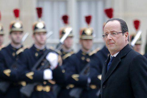 François Hollande, dans la cour de l'Élysée, le 1er mars.