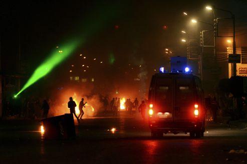 À Mansourah, les manifestations contre les islamistes au pouvoir et les affrontements contre la police ont duré tout le week-end.