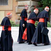 Conclave : les cardinaux prennent leur temps