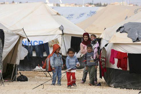 Un groupe d'enfants dans le camp de réfugiés d'al-Zaatri, en Jordanie, proche de la frontière syrienne.