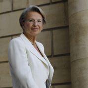 Michèle Alliot-Marie fend l'armure
