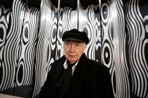 L'artiste argentin Julio Le Parc au vernissage de son exposition au Palais de Tokyo.