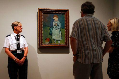 <i>L'enfant à la colombe</i> de Picasso exposé au Musée d'Art Moderne d'Édimbourg, en août 2012.