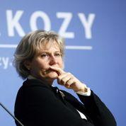 Les proches de Sarkozy s'attaquent au juge