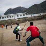 Une école pour sauver les enfants talibans