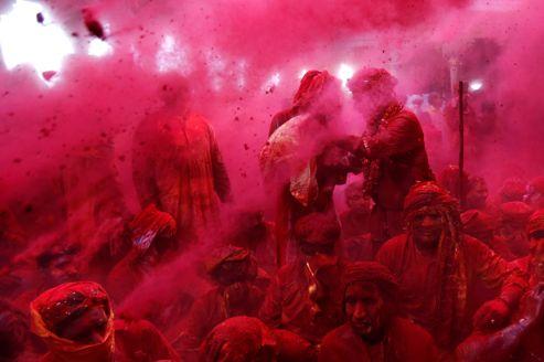 Le rituel coloré de Lathmar Holi